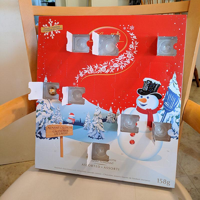 LINDORのAdvent Calendar(本物)の8日目を開けたところ。