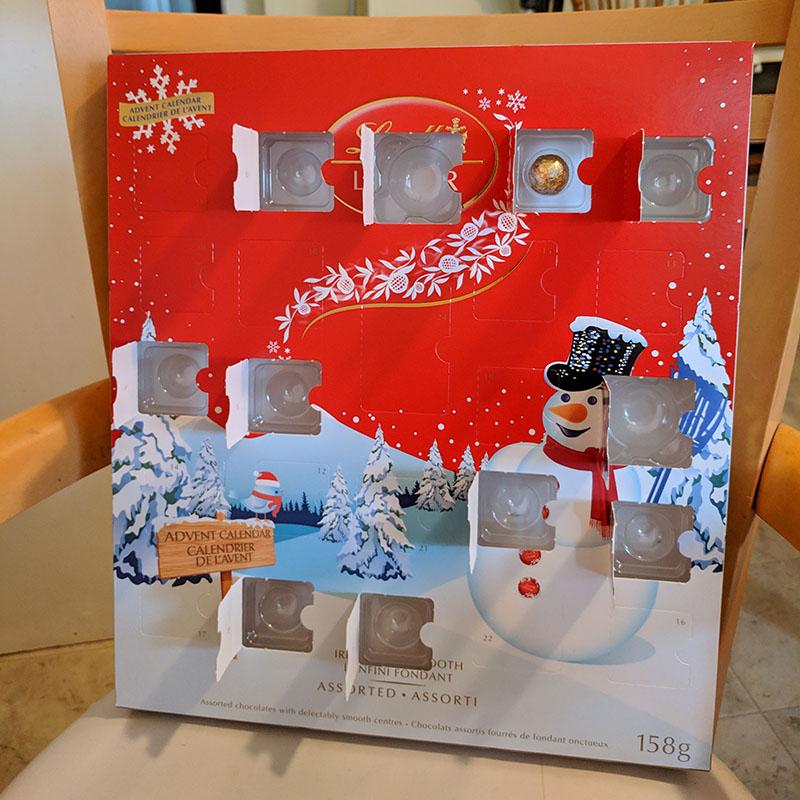 LINDORのAdvent Calendar(本物)の11日目を開けたところ。