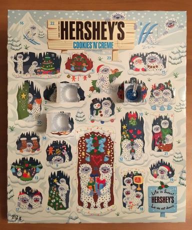 HERSHY'SのAdvent Calendar(本物)の3日目を開けたところ。