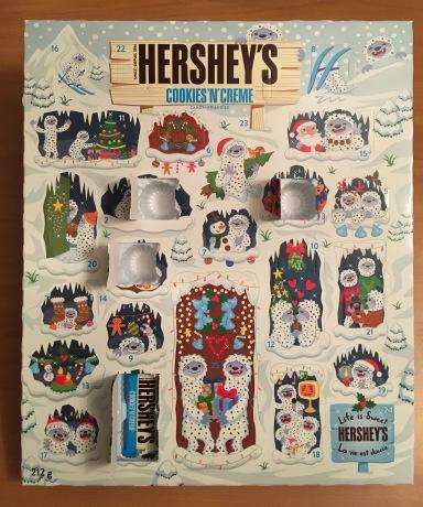 HERSHY'SのAdvent Calendar(本物)の4日目を開けたところ。