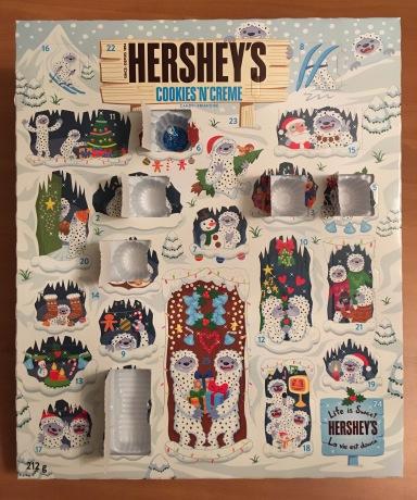 HERSHY'SのAdvent Calendar(本物)の6日目を開けたところ。